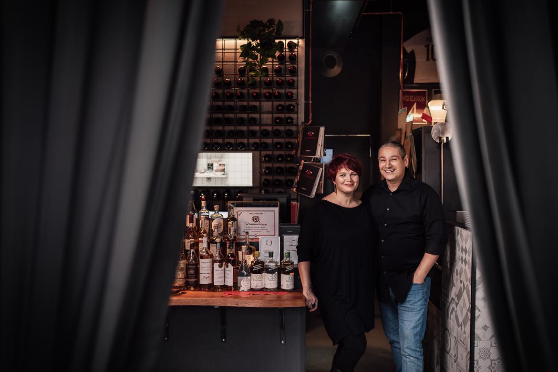 Sara och Marco på Le Borgate i restaurangen fotograferat av Fotograf Satu i Linköping